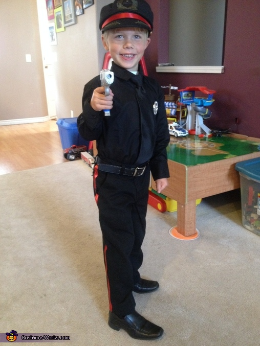 Police 5, Calgary Police Service Costume