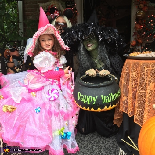 Candy witch meets a wicked witch while trick or treating, Candy Witch Costume