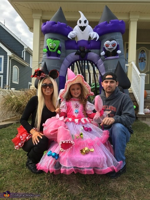 Candy witch with her mommy & daddy!!, Candy Witch Costume