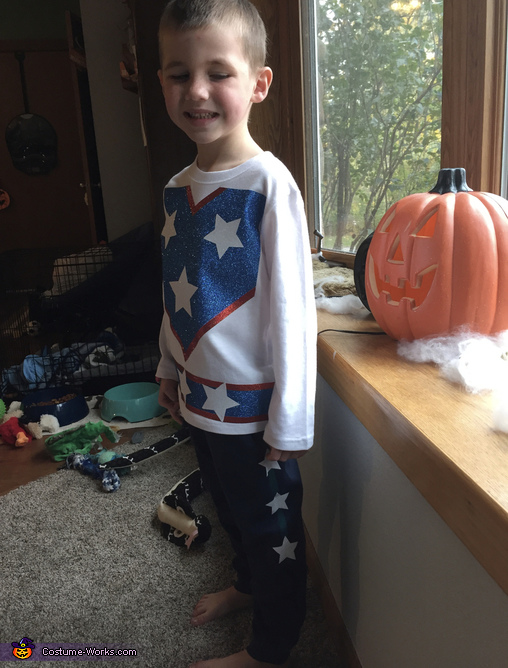 Sporting the clothing, Cannon Ball Boy Costume
