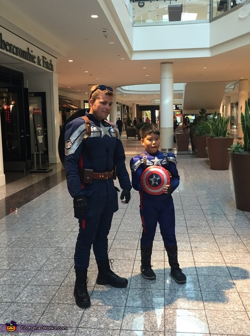 Cap at the Mall!, Captain America Costume