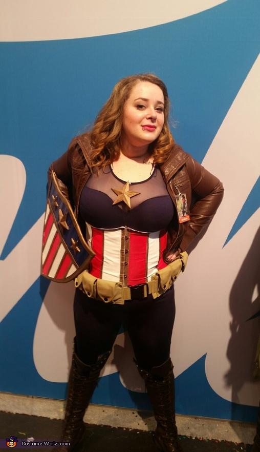 Original Captain America stance, Captain America Costume