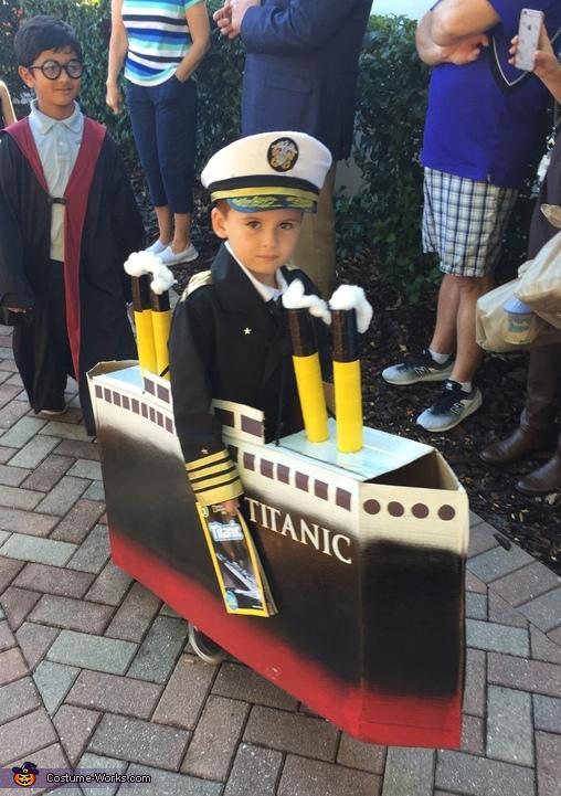 Captain of the Titanic Costume