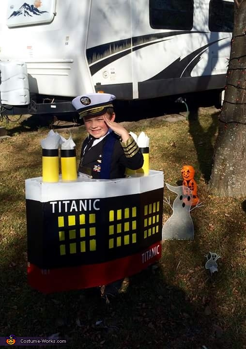 Kaptain Kael Costume