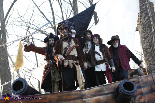 Capt'n n Crew, Capt'n Creed Costume