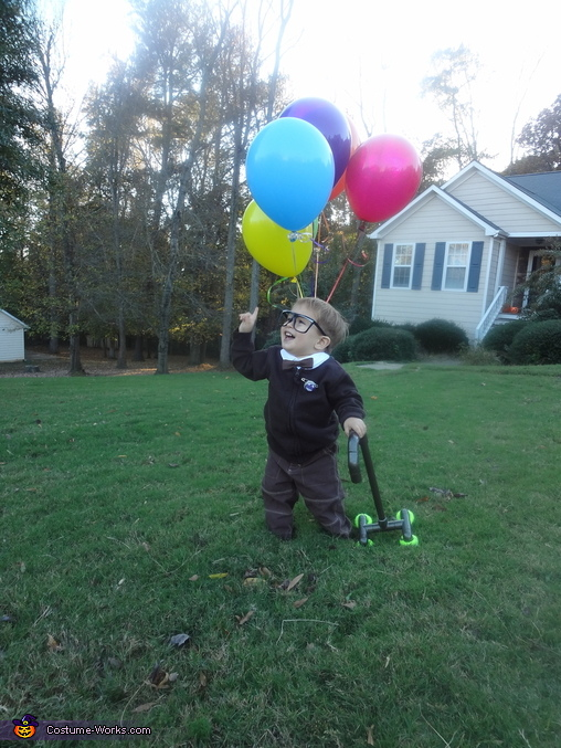 Jasper as Carl from Up pointing up., Carl from Up Costume