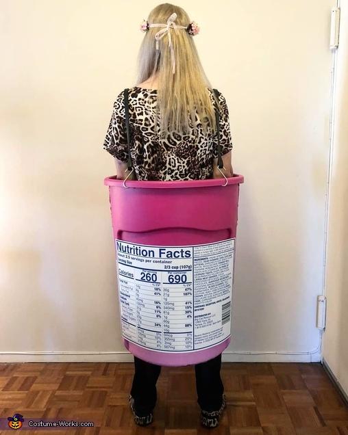 Back View, Carole Baskin-Robbins Costume