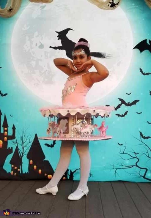 ballerina Carousel, Carousel Costume