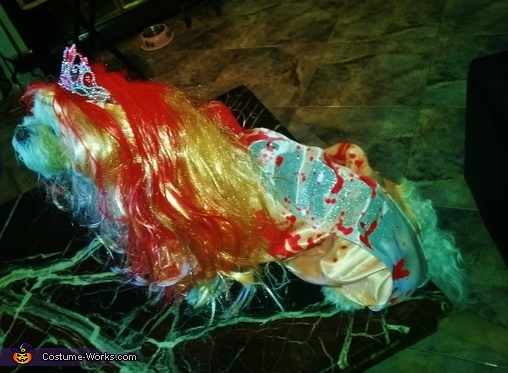 Coco Modugno as Carrie White, Coco as Carrie White Costume
