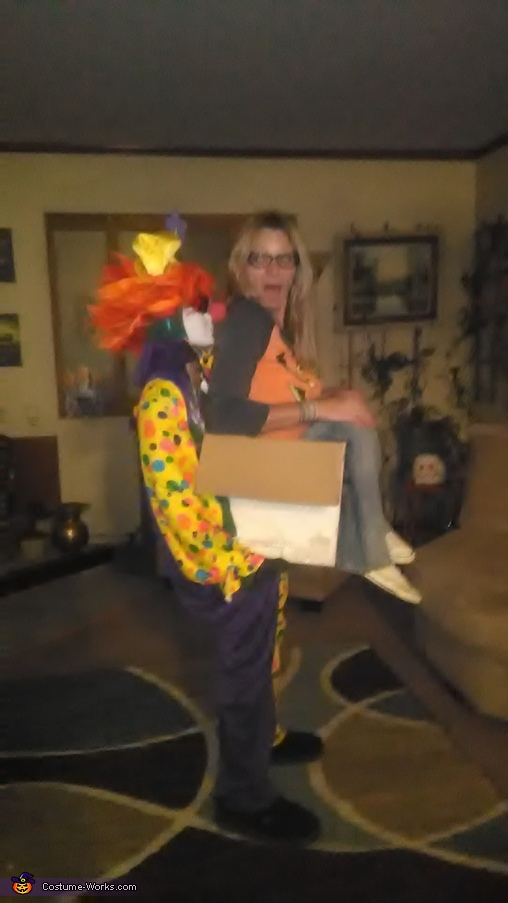 Carrie me clown, Carried Away Costume