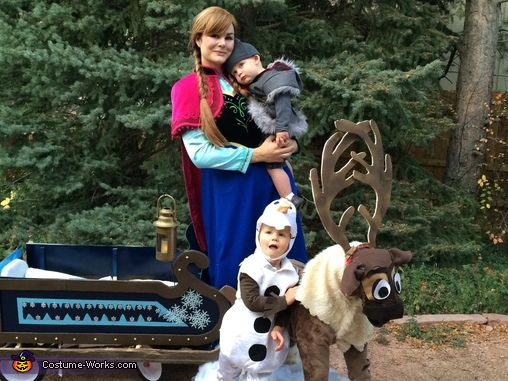 Cast of Frozen Family Costume