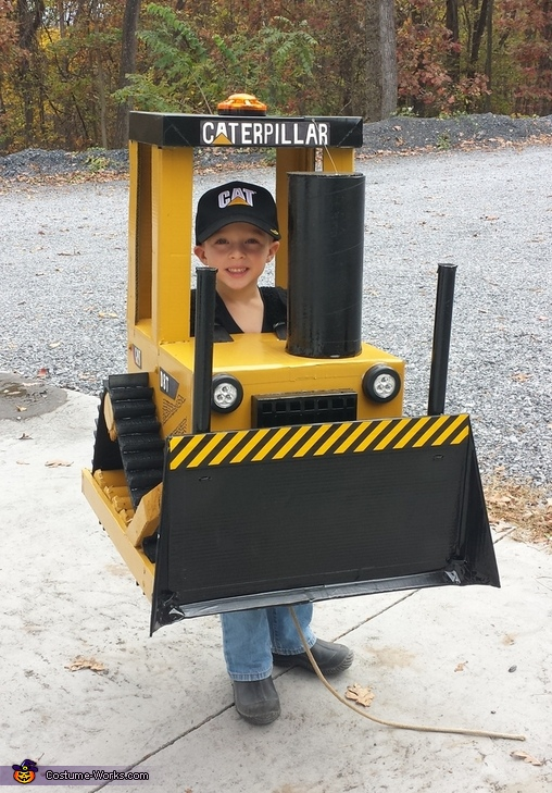 Ready to move some candy!, Cat Bull Dozer D8T Costume