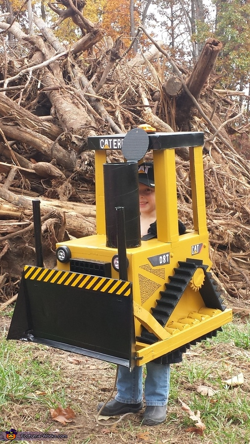 Mean machine!, Cat Bull Dozer D8T Costume