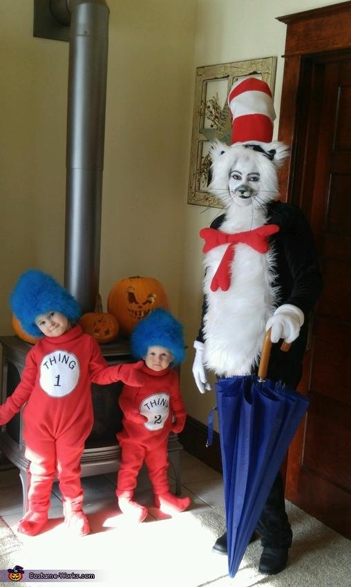 DIY Cat in the Hat Family Costume