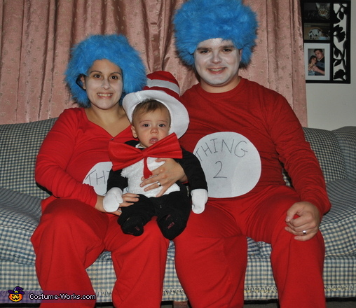 Cat in the Hat and Thing 1 and Thing 2 Family Costume