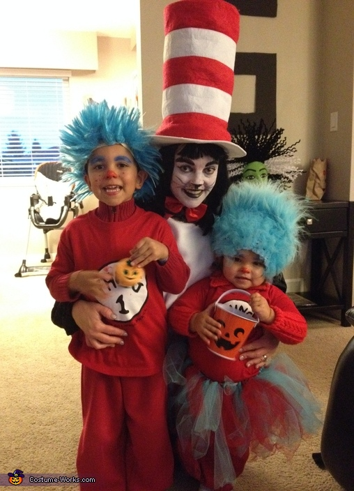 Cat in the Hat with Thing 1 and Thing 2 Costume