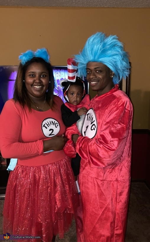 Cat in the Hat with Thing 1 & Thing 2 Costume