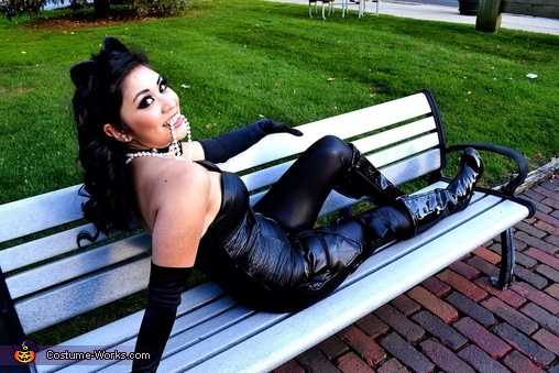 Me-ow!, Catwoman Costume