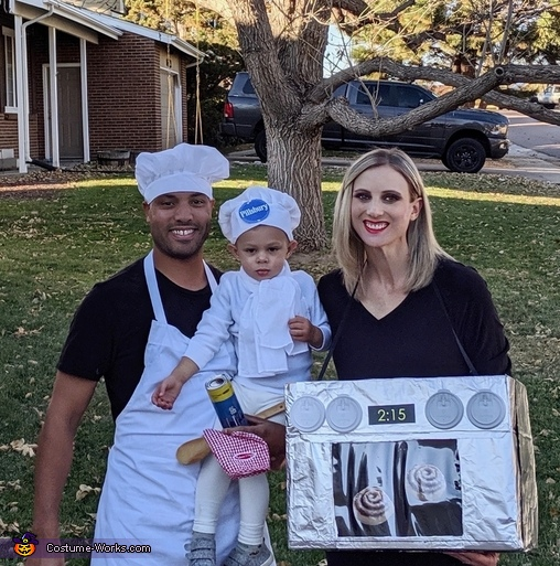 Chef & Pillsbury Doughboy baking their buns in the oven Costume