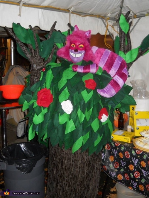 Cheshire Cat in a Tree Costume