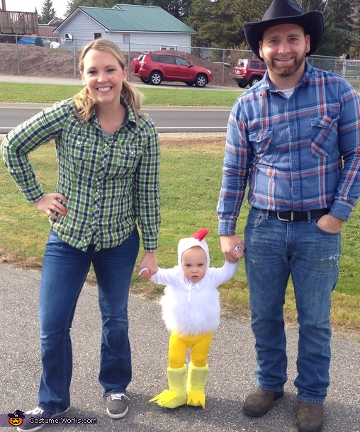 The farmers and their chicken, Chicken Little Costume