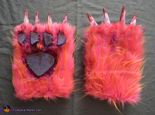 The Bloody Paws, Childhood Monster Slayer Costume