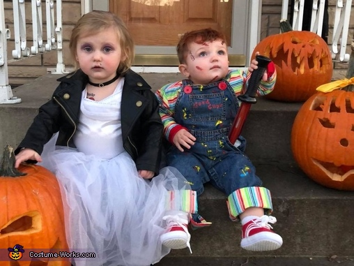 That knife's too big to hide in your pocket!, Child's Plays Chucky & Tiffany Costume