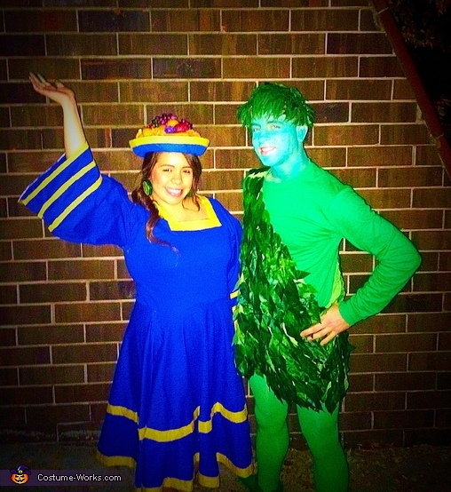 Chiquita Banana & the Jolly Green Giant Couples Costume