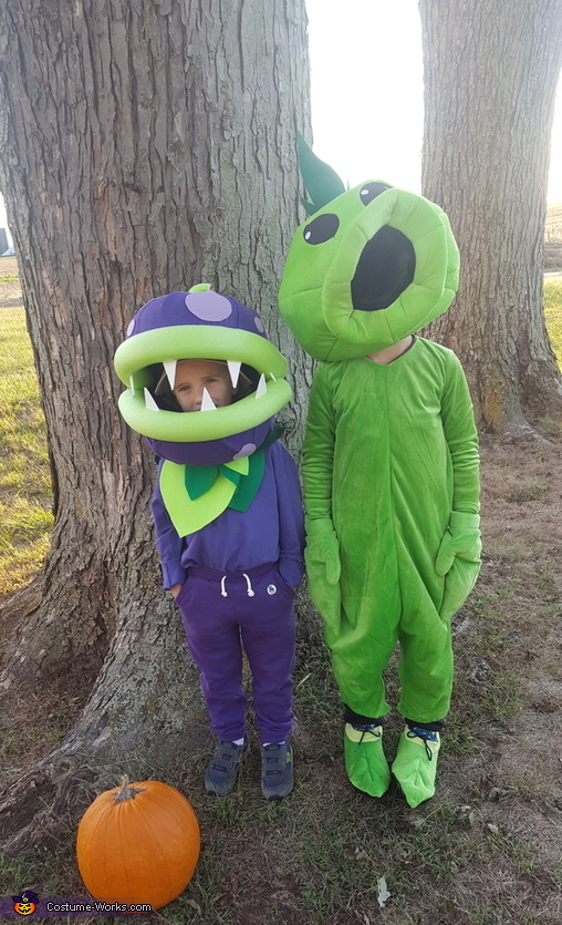 "Chomper Plant and Peashooter from ""Plants vs. Zombies"" Costume"