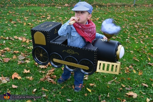 Choo! Choo!, Choo-Choo Train Costume