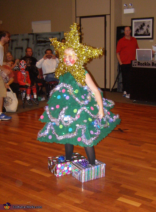 Showing off, Christmas Tree Costume