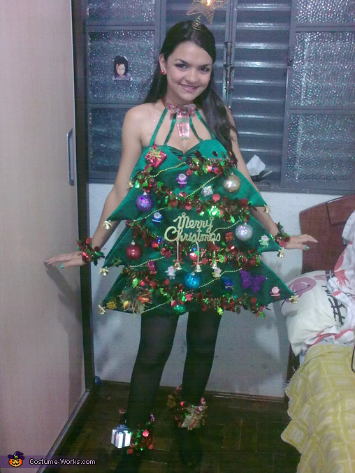 Christmas Tree Costume. Christmas Tree - Homemade costumes for women