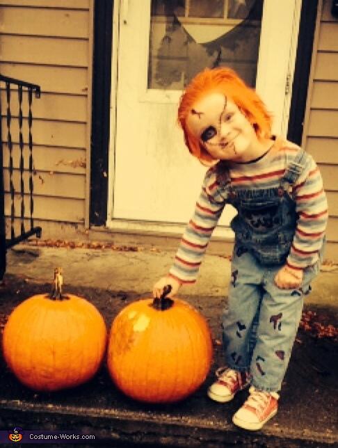Chucky pose, Chucky Costume