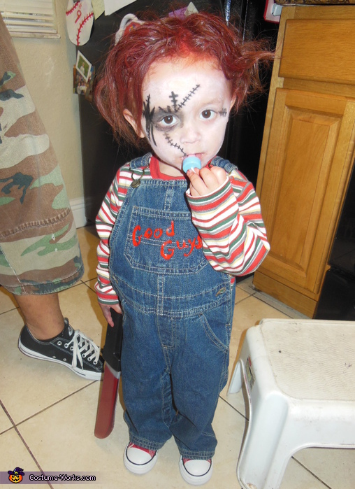 http://photos.costume-works.com/full/chucky22.jpg