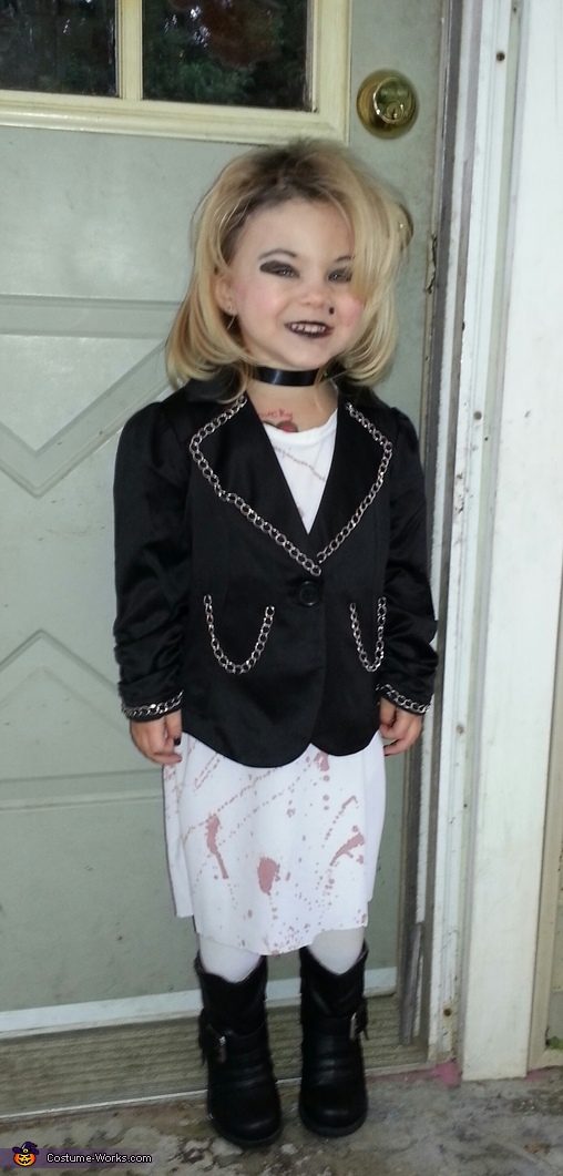 Bride of Chucky Costume Ideas http://www.costume-works.com/chucky_and_bride_of_chucky-2.html