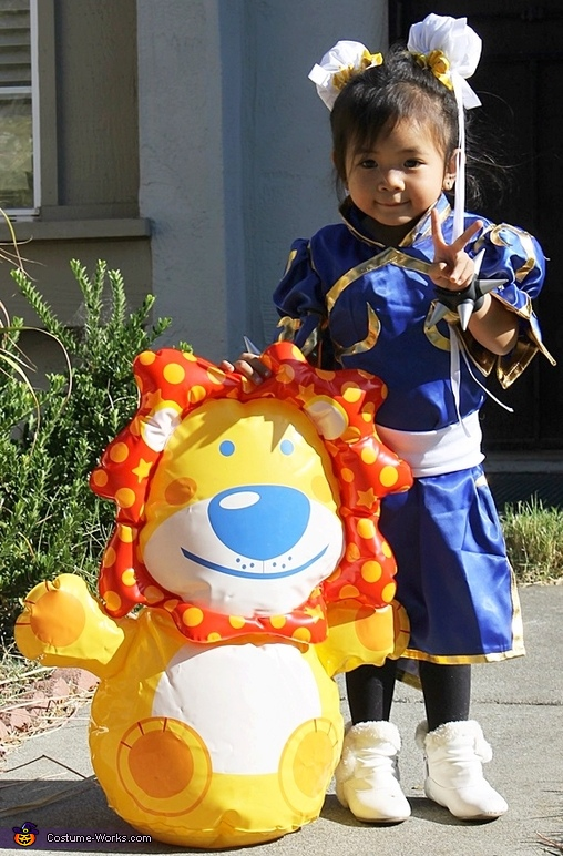 Chun Li and her opponent the Lion., Chun Li from Street Fighter Baby Costume
