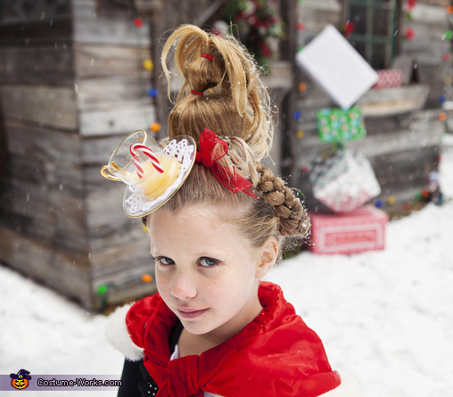 Maybe Christmas, Perhaps, Means a little bit more, Cindy Lou Who Costume