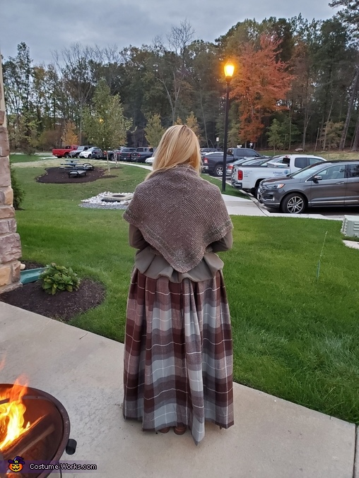 Full outfit, back -on, Claire, Highland Healer Costume