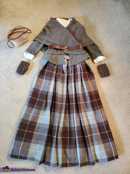 Fill outfit - laid out, Claire, Highland Healer Costume