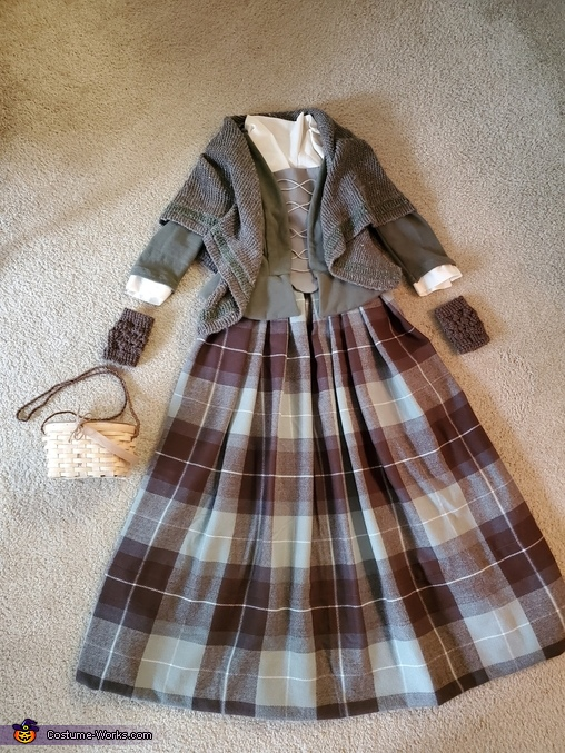 Outfit - laid out, Claire, Highland Healer Costume