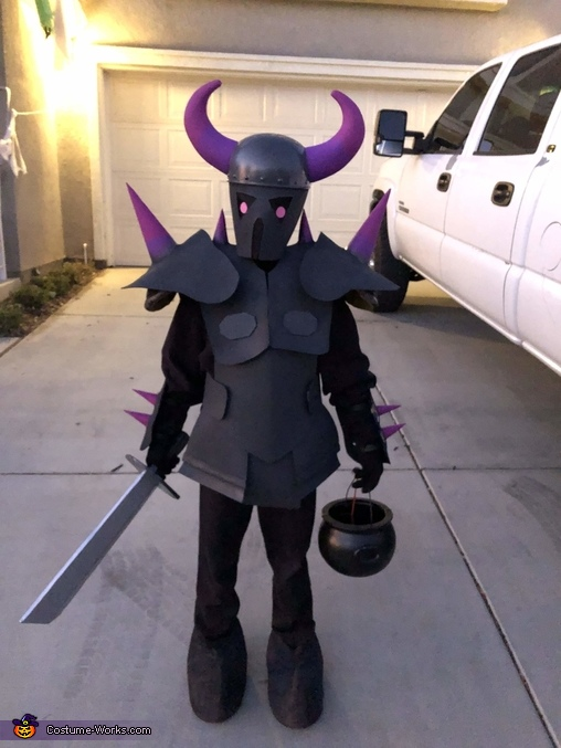 Clash of Clans PEKKA with sword, Clash of Clans Family Costume