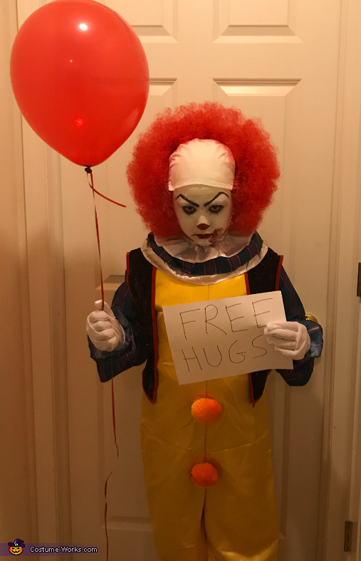 Classic Pennywise Costume