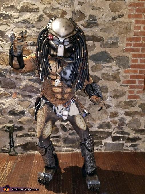 Predator with masks on, Classic Predator Costume