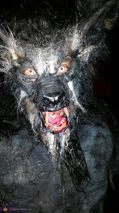 Werewolf salivating, Classic Werewolf Lycan Costume
