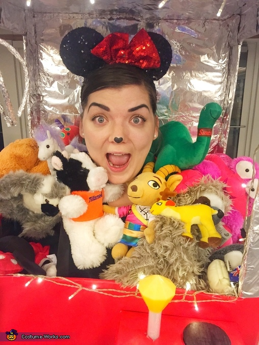 Close up with all of my new friends!, Claw Machine Costume