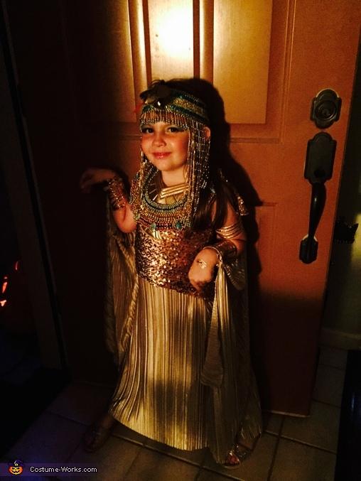 Cleopatra, Cleopatra Costume