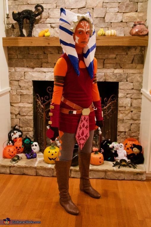 Front/ side of costume, Clone Wars Ahsoka Tano Costume