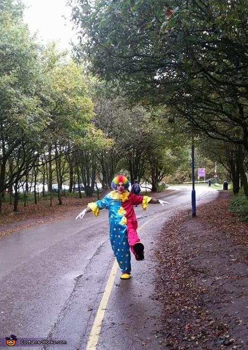 out 4 a stroll, Clown Craigy Costume