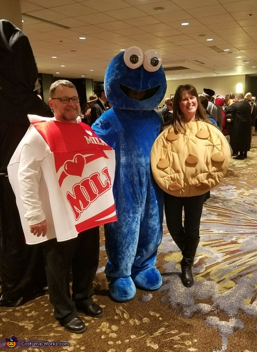 Cookie Monster finds Dinner Costume