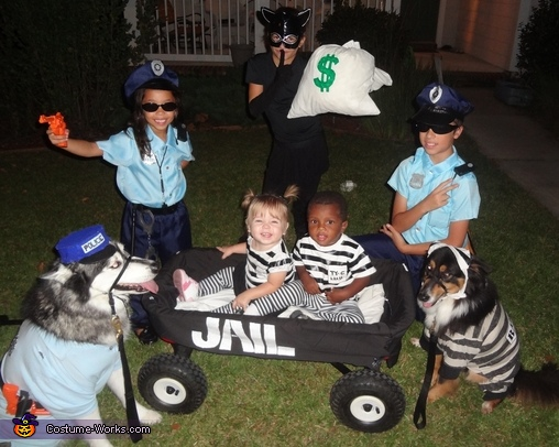Cops & Robbers - Homemade costumes for kids